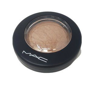 NEW MAC Mineralize Skinfinish Powder